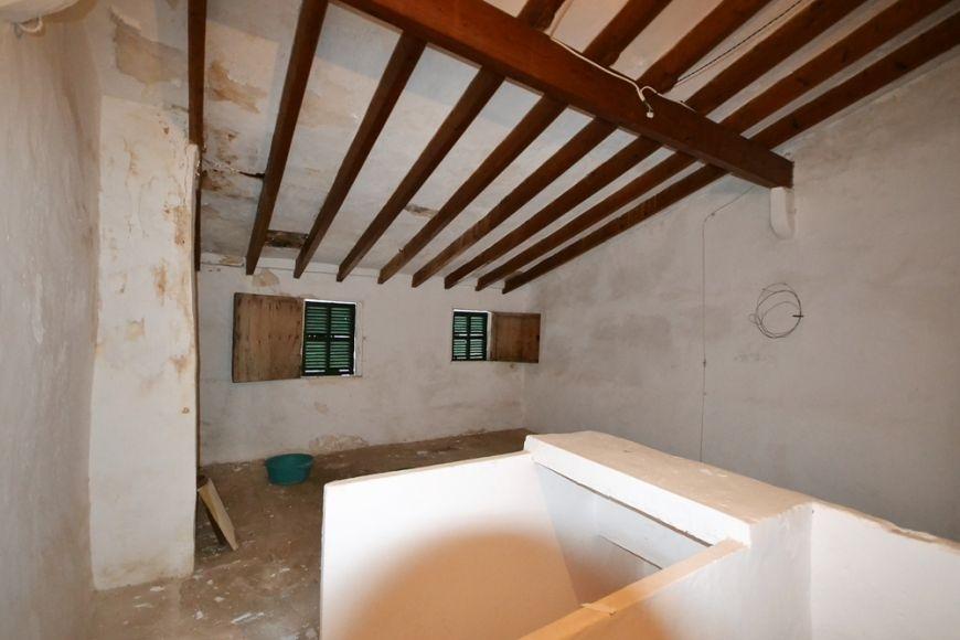 big--renovierungsobjekt-mit-patio-und-garage-18-250120191548