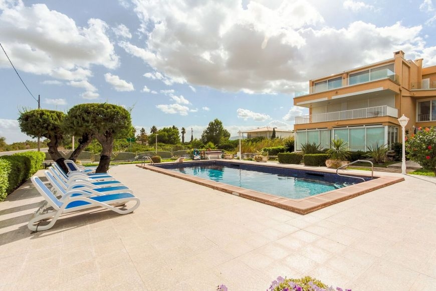 big-llenaire-flat-for-sale-balearic-island-2-231020181540