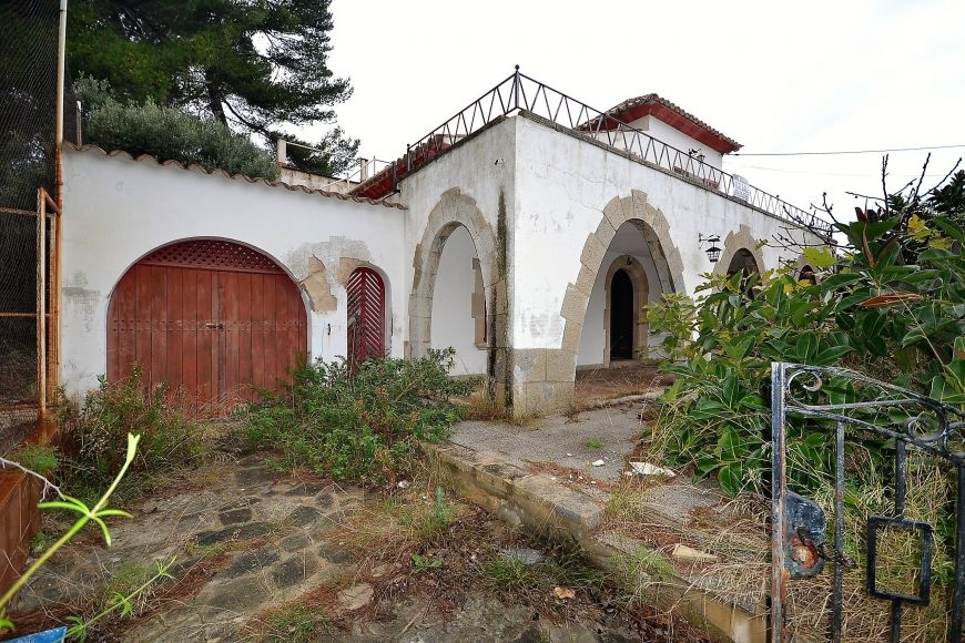 big-renovation-project-villa--for-sale-in-cala-san-vicentepollensa-i-2-191220161482