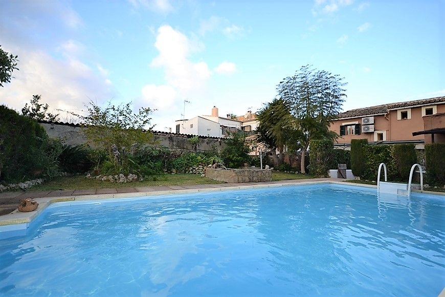 big-townhouse-with-pool-and-garden-in-consell-28-210120201579