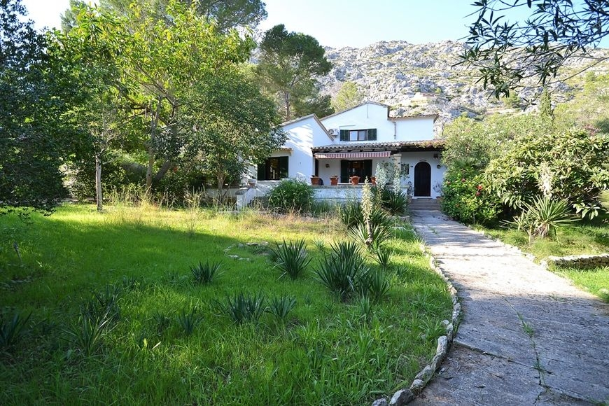 big-villa-la-fontpollensa-for-sale-2-201020171508