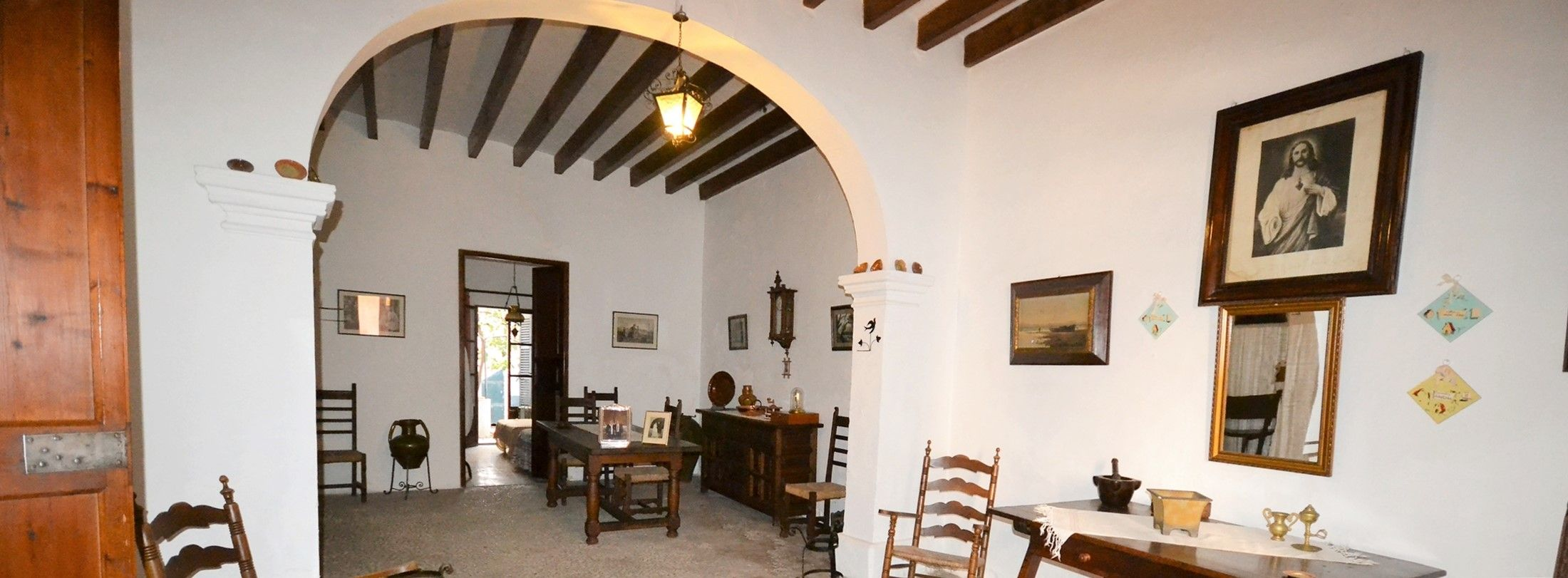 POLLENSA TRADITIONAL TOWNHOUSE WITH CHARACTER with HISTORY .